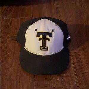 New Era fitted black and white hat